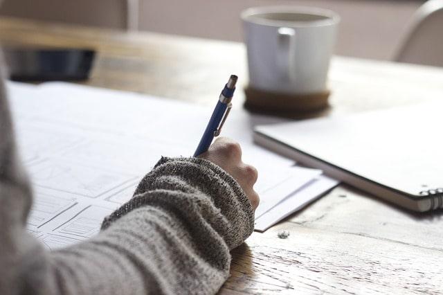 scrivere articoli a